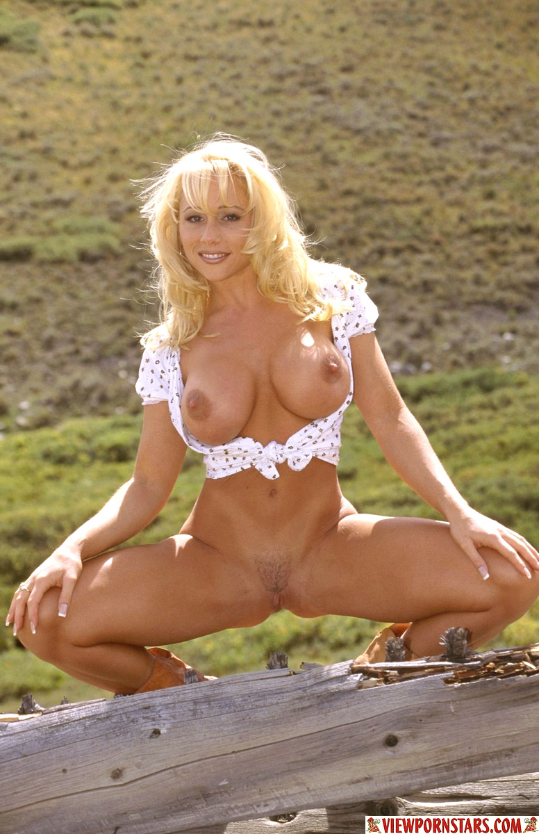 mature naked country women